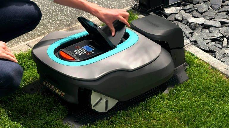 Il display del robot tagliaerba Gardena 4054-32 Sileno