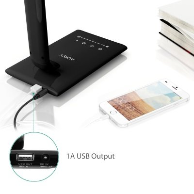 lampada da tavolo AUKEY LT-T10 con porta USB IMG 4