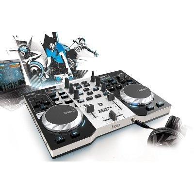 console DJ hercules Control Istinct S in uso
