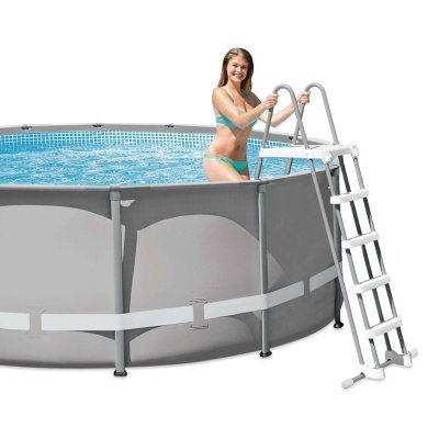 uso scaletta per piscina intex