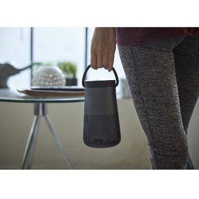 Speaker Bluetooth Bose SoundLink Revolve+ ragazza IMG 5