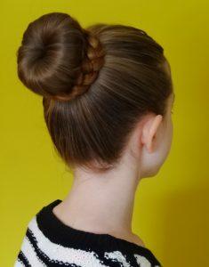 piastra per capelli acconciatura chignon