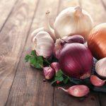 sbucciare aglio e cipolla microonde